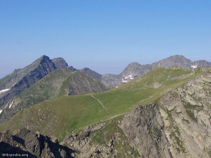 A Negoj (2535 m) és a Leszpez (2522 m)