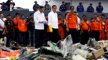 Olyan volt, mint egy hullámvasúton: az előző úton is gond volt a lezuhant indonéz géppel
