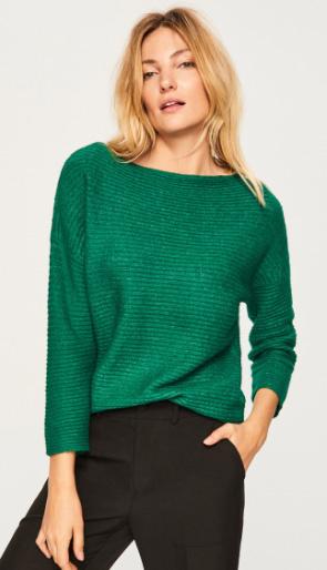 625849aa03 A smaragdzöld szín nemcsak divatos, de minden szettet elegánsabbá tesz, és  világosabb hajhoz is
