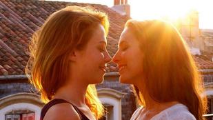 Ez a fotós heteró nőket/férfiakat képzel el leszbikus/meleg párokként