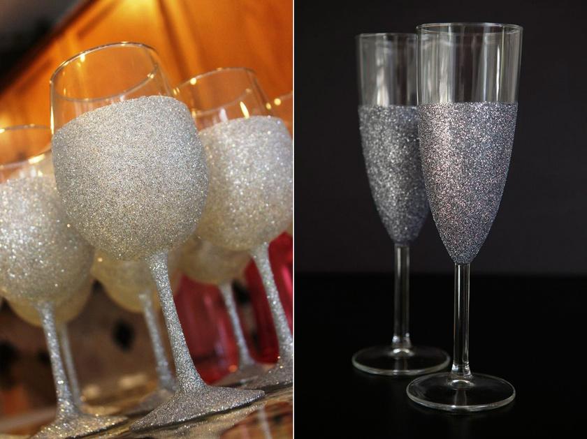 A visszafogott, egyszínű, ezüstösen csillogó poharak hihetetlenül tetszetősek.