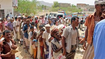 Az éhező jemeniek segítéséből próbált hasznot húzni Szaúd-Arábia
