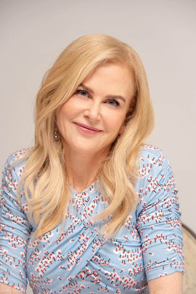 Nicole Kidman most meg a másik irányba tekint.