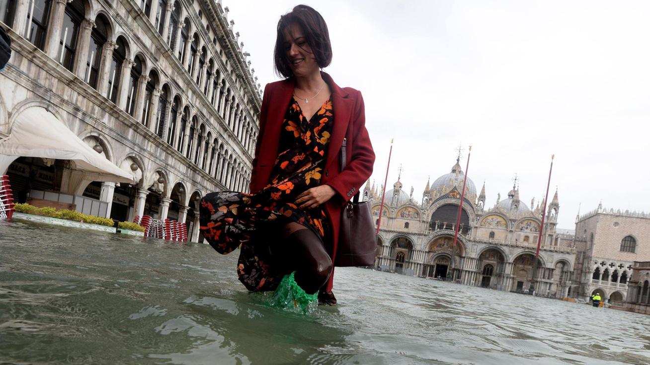 velencei-arviz-turista