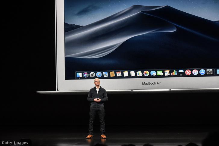 Tim Cook bemutatja az új MacBook Air-t, New Yorkban 2018. október 30-án