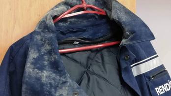 Bepenészednek a dorogi rendőrök ruhái, de már tudnak a problémáról