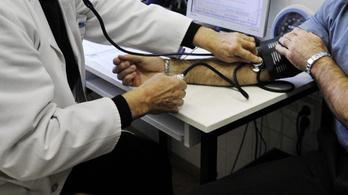 Elítélték a háziorvost, akinek a téves diagnózisa miatt meghalt a betege