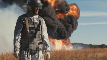 Az első ember: mozifilm, ami dokumentumfilmnek is beillett volna