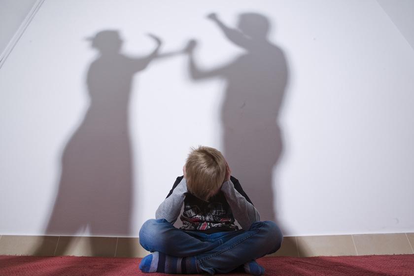 A kapcsolati erőszak nem magánügy: itt kérhetnek segítséget az áldozatok