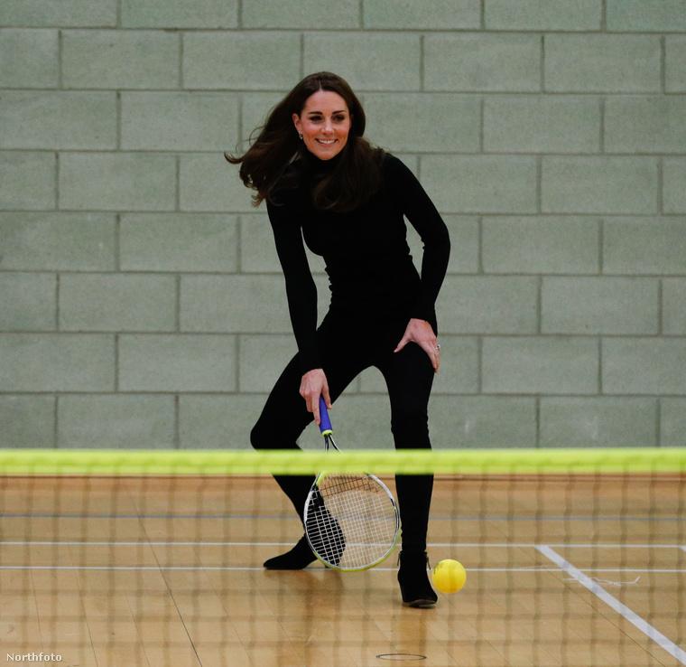 Persze Katalin azért teniszezni is beállt
