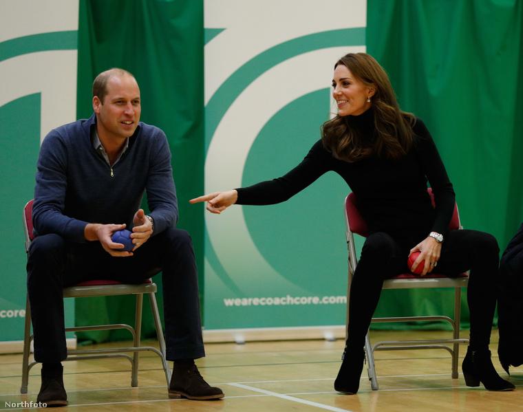 Katalin egyébként a férjével egy jótékonysági sporteseményre látogatott el...