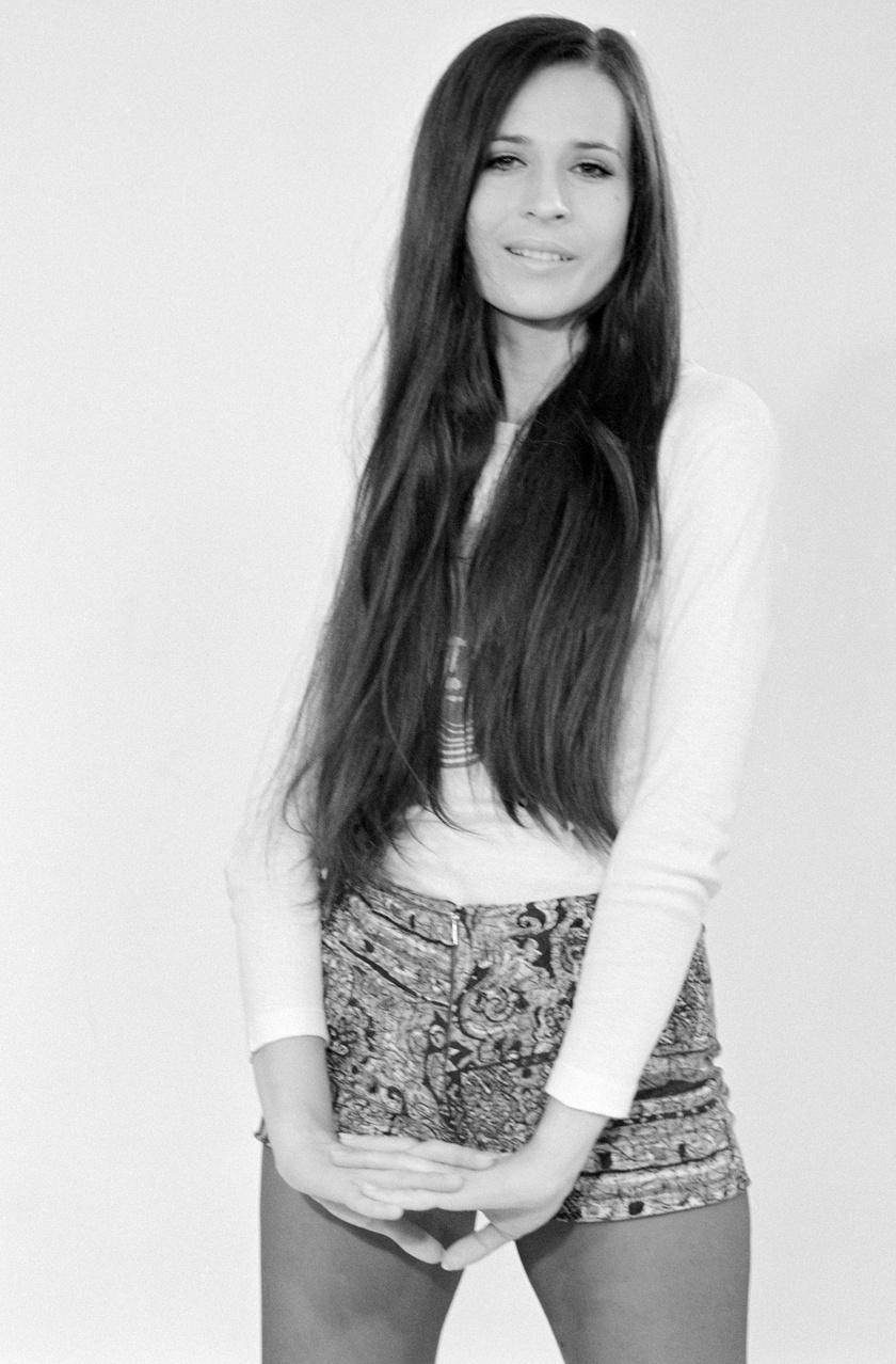 Koncz Zsuzsa 1971-ben. Az év énekesnője lett az NDK-ban, és ebben az évben jelent meg Kis virág című lemeze.