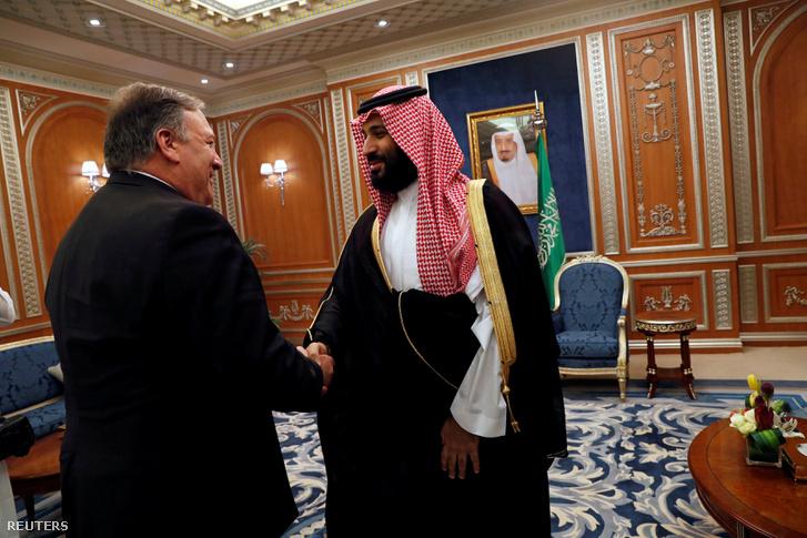 Mike Pompeo és Mohamed bin Szalmán 2018. október 16-án Rijádban