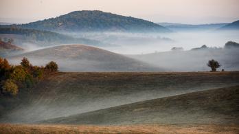 Kisebb esők, reggeli köd, de szokatlan meleg lesz a hosszú hétvégén