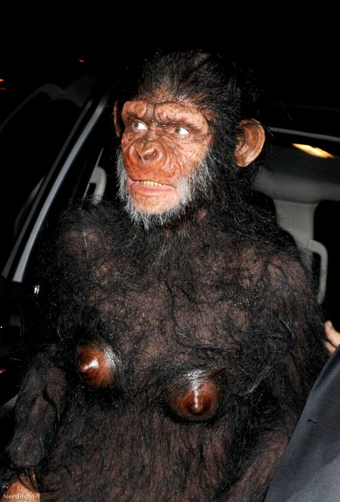 Jó,a 2011-es majmos jelmeze se volt semmi.