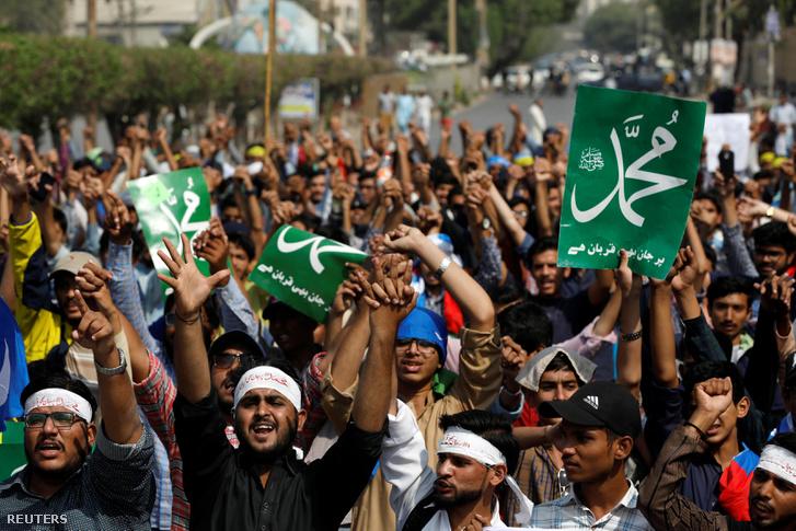 Ászija Bibi kivégzéséért tüntetnek Karacsiban