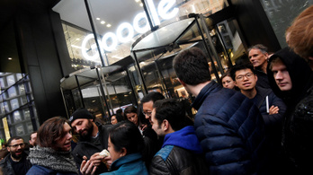 A zaklatási botrányok miatt tüntetnek világszerte a Google-nél