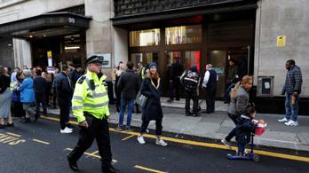 Két embert megkéseltek a Sony Music londoni központjában