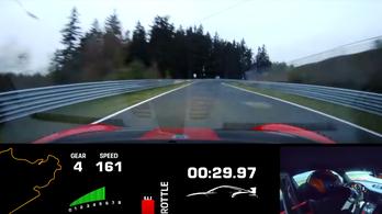 Videón a Porsche talán rekord nürburgringi köre