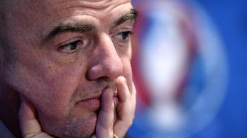 Kemény vádak: a FIFA-elnök segített a szabályszegésben