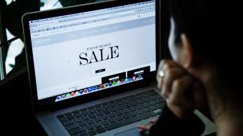 Az uniós e-kereskedők decembertől nem alkalmazhatnak tagországonként eltérő árat