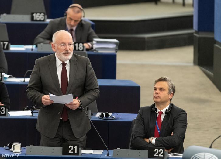 Frans Timmermans az Európai Bizottság elsõ alelnöke felszólal az Európai Parlament plenáris ülésén Strasbourgban 2018. október 24-én. Az ülésen az Európai Unió október 18-19-i brüsszeli csúcstalálkozóján született megállapodásokat vitatták meg.