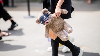 Ezer lopott játékot találtak egy francia asszonynál