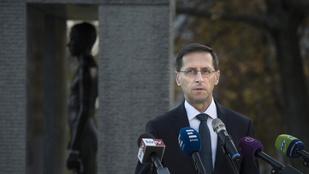 Varga Mihály: November 4-én hajnalban 33 év sötétség borult ránk