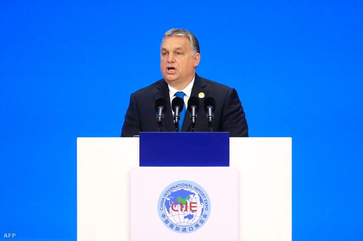 Orbán Viktor beszédet mond Sanghajban, az első Kínai Nemzetközi Import Expón 2018. október 5-én
