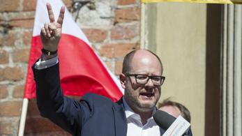 Megkéselték a gdanski polgármestert, újra kellett éleszteni
