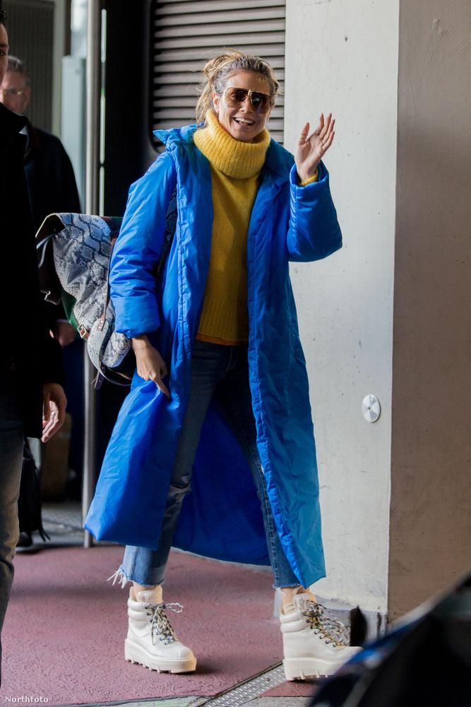 Így nézett ki Heidi Klum a gépről leszállva november 2-án
