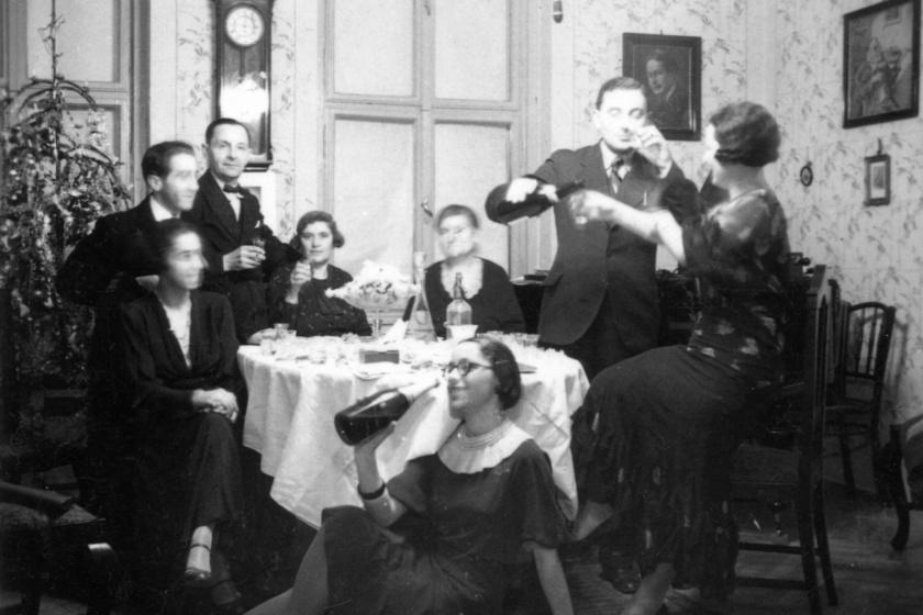 A '30-as években sem vetették meg a dorbézolást az ünnepek alatt.