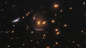Mosolygó arcot talált az űrben a NASA