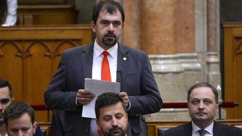 A Fidesz-KDNP beállt egy jobbikos javaslat mögé