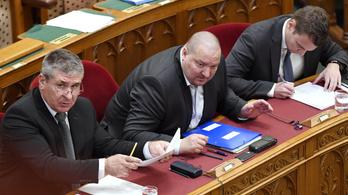 Megvolt a Fidesz szokásos átokszórása Demeter Mártára