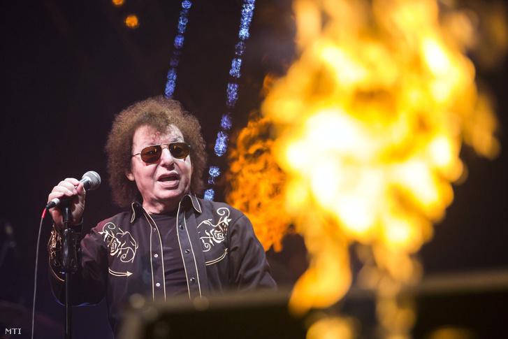 Demjén Ferenc Kossuth-díjas zeneszerző, előadóművész 70. születésnapi koncertjén a Papp László Budapest Sportarénában 2016. december 30-án.