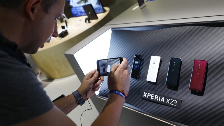 Tévének kiváló a Sony Xperia XZ3 mobil