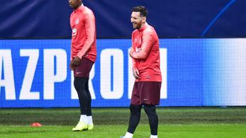 Messi a karját próbálgatta az edzésen