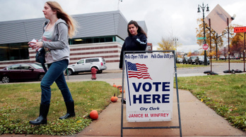 A demokraták megszerzik a képviselőházat, a szenátus a republikánusoké maradt