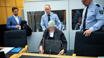 Egy 94 éves náci SS-katona állt bíróság elé Németországban