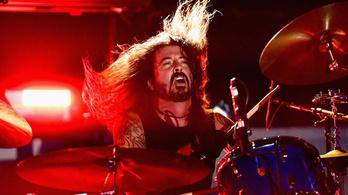 Dave Grohl szívesen dobolna az AC/DC-ben