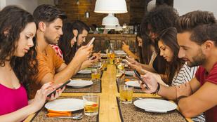 Ha sokat nyomkodod a telefonod, végül egyedül maradsz