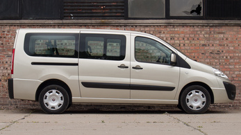Garanciás Fiat letilt a pályán