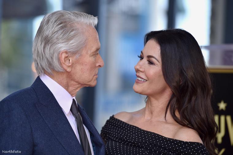 Az eseményen ott volt vele felesége, Catherine Zeta-Jones is.