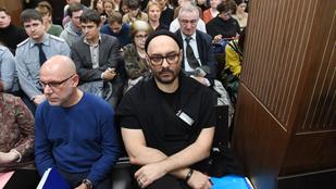 Megkezdődött a Kreml-kritikus orosz rendező tárgyalása