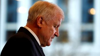 Die Zeit: Horst Seehofer lemond a CSU elnöki tisztségéről