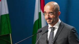 Kovács Zoltán: Nem az emberek, hanem celebaktivisták vonulnak Budapest utcáin
