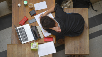 Tízből négy hallgató nem képes diplomát szerezni a műszaki képzésben