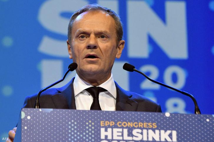 Donald Tusk az EPP kongresszuson Helsinkiben
