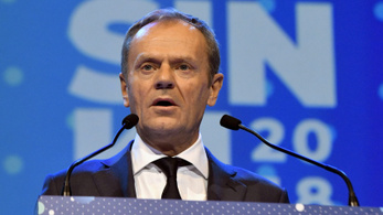 Tusk: Aki le akarja cserélni a liberális demokráciát, az nem kereszténydemokrata